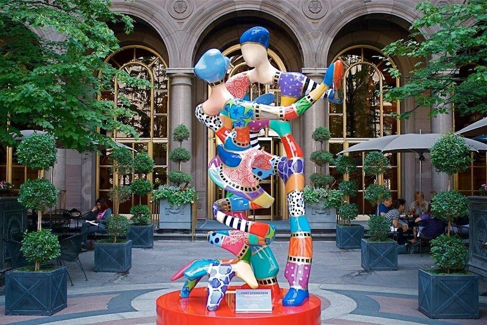 Dorit Levinstein classical art vs modern art sculpture